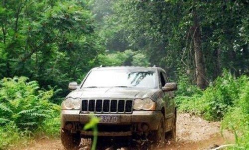 jeep的传承越野路面测试大切诺基3.7l汽车之家高清图片
